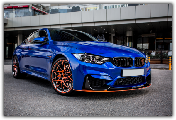 Tablou modern pe panou - blue sport car 0