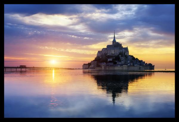Tablou modern pe panou - Mont Saint Michel Abbey sunset 0