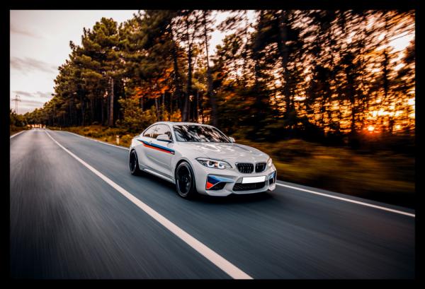 Tablou modern pe panou - luxury sport sedan 0