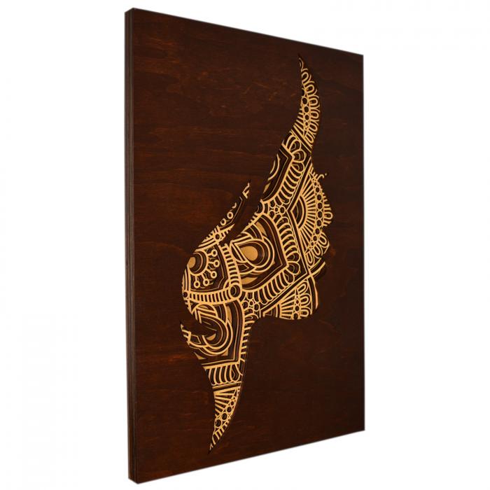 Tablou mandala din lemn - Femeia [1]