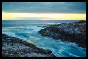 Tablou modern pe panou - cliff mountain ocean0