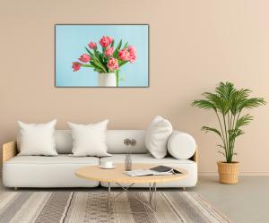 Tablou modern pe panou - bouquet red tulip vase2