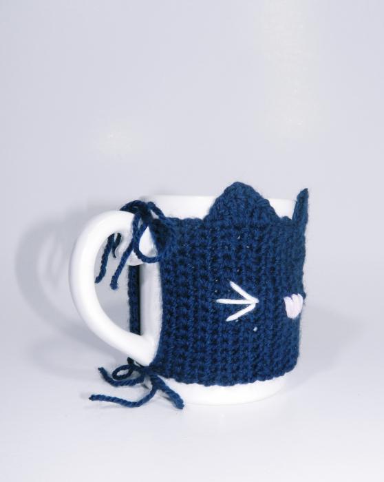 Cana cu hainuta crosetata pisica, mov, 300ml 3