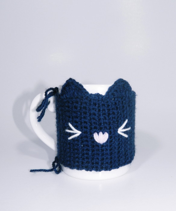 Cana cu hainuta crosetata pisica, mov, 300ml 4