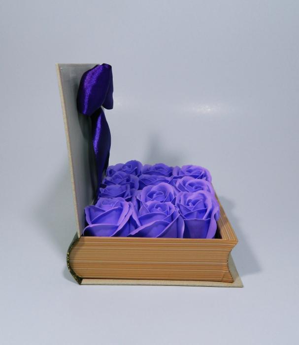 Aranjament Flori Sapun in cutie tip carte 3