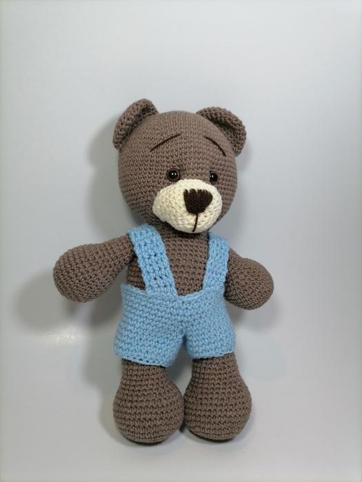 Jucarie crosetata manual, Ursulet cu salopeta albastru, 30 cm 1