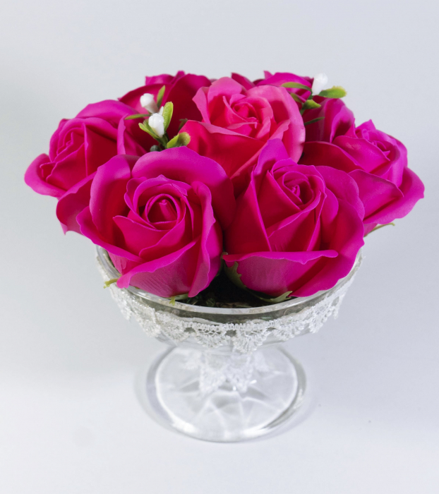 Aranjament cu 7 trandafiri de sapun Roz 0
