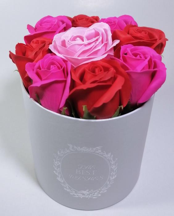 Aranjament cu 9 trandafiri de sapun Roz/Rosu 0