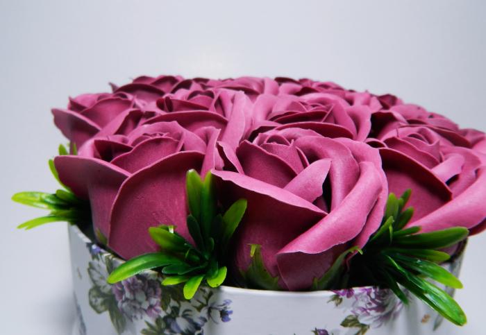 Aranjament Flori Sapun Parfumate in Cutie 3