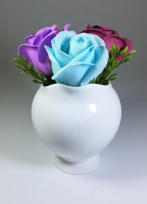 Aranjament Flori Sapun Parfumate in vas 4