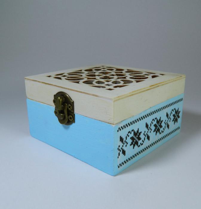 Cutie handmade de amintiri ale bebelusului, model traditional, 9cm 0