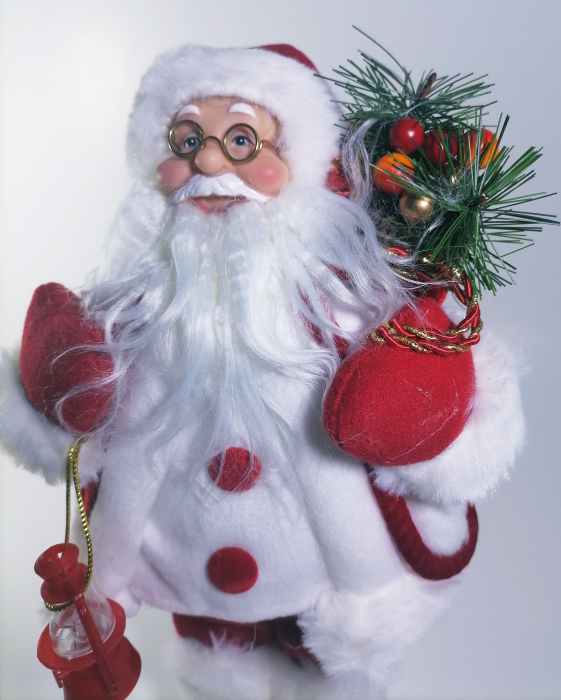 Mos Craciun, cu pulover alb, sac de cadouri si felinar, 30 cm, Multicolor 1