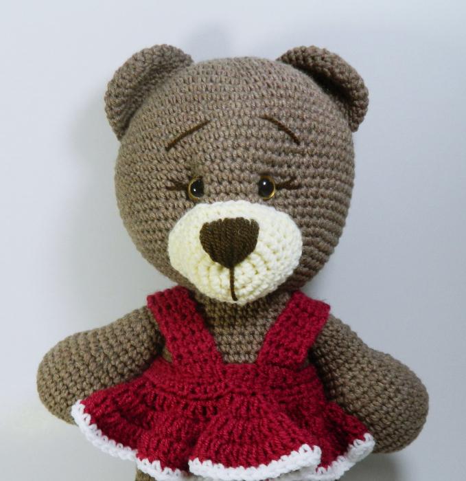 Jucarie crosetata manual, Ursulet cu rochita roz 1