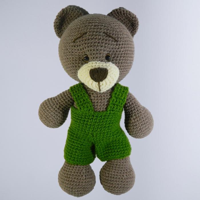 Jucarie crosetata manual, Ursulet cu salopeta verde 0