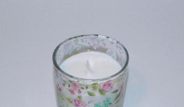 Lumanare decorativa parfumata in borcan, cu aroma de Vanilie, 8x6 cm, alb 3