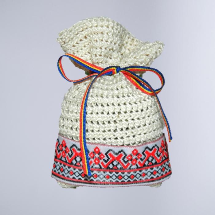 Saculet crosetat manual cu motive traditionale, Umplut cu flori de lavanda, crem, 7 x 9 cm 0