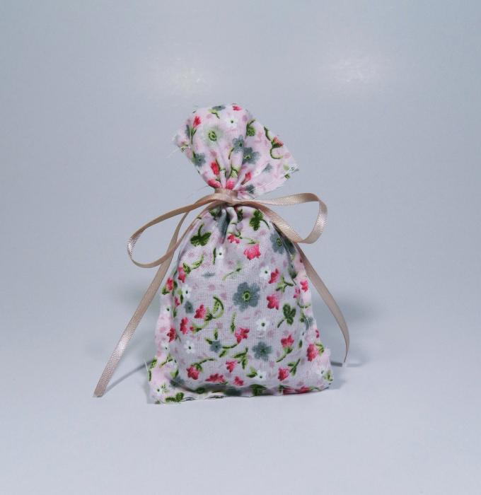 Saculet floral umplut cu flori de lavanda 7 x 9 cm 1