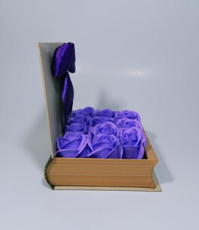 Aranjament Flori Sapun in cutie tip carte3