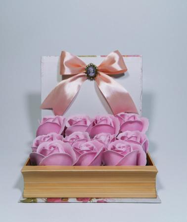 Aranjament Flori Sapun in cutie tip carte0