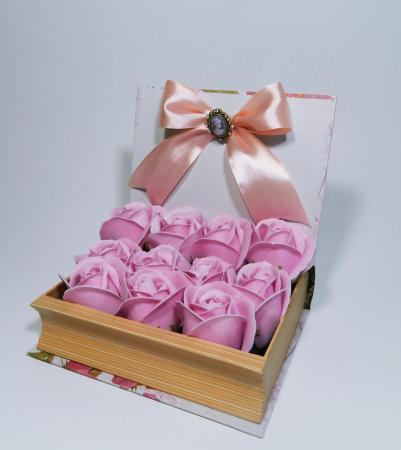 Aranjament Flori Sapun in cutie tip carte1