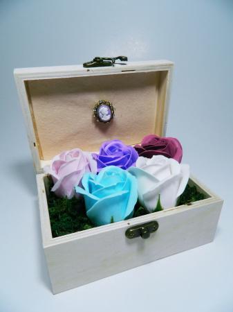 Aranjament Flori Sapun Parfumate in cutie2