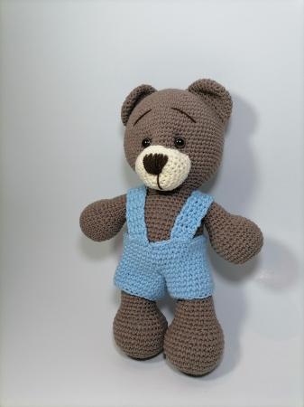 Jucarie crosetata manual, Ursulet cu salopeta albastru, 30 cm2