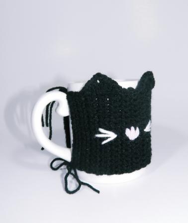 Cana cu hainuta crosetata pisica, negru, 300ml2