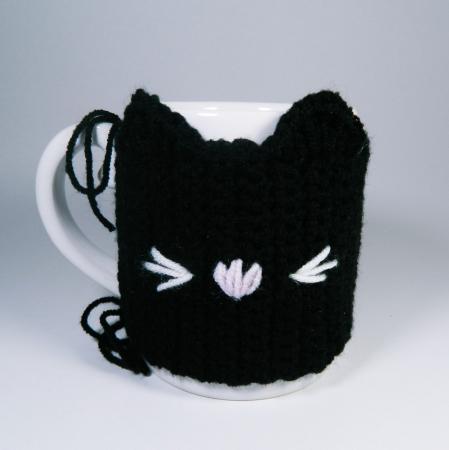 Cana cu hainuta crosetata pisica, negru, 300ml0