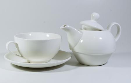 Set cu ceainic, ceasca si farfurie, portelan, Alb, 500 ml1