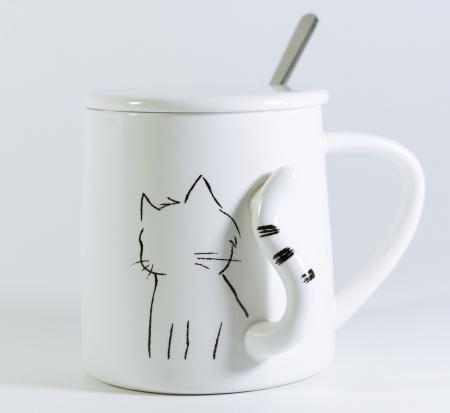 Cana cu lingurita si capac, model Pisica, 300ml0