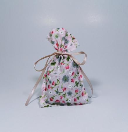 Saculet floral umplut cu flori de lavanda 7 x 9 cm1