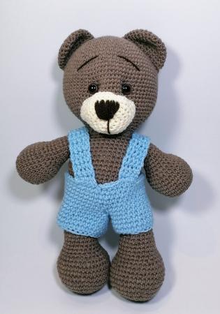 Jucarie crosetata manual, Ursulet cu salopeta albastru, 30 cm