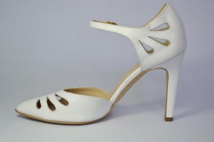 Pantofi Dama Piele Naturala Albi Guban Lenda D00648 1