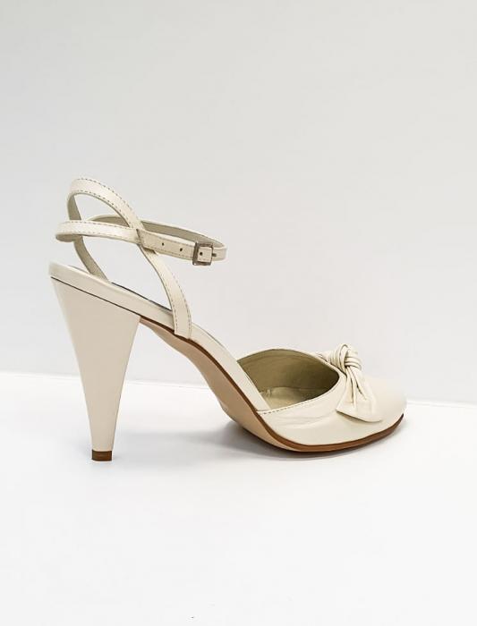 Pantofi Dama Piele Naturala Bej Rupia D02687 3