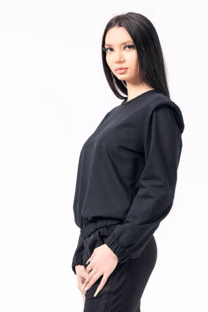Bluză cu pernițe la umeri, neagra1