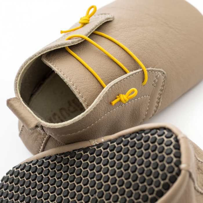 Pantofi cu talpă moale Liliputi cu crampoane antialunecare - Urban Latte 1