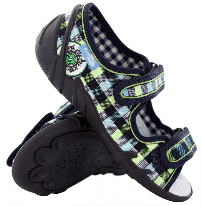 Sandale baieti in carouri colorate (cu scai), din material textil 0