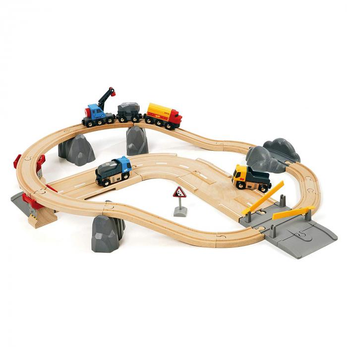 Un set conținând șosea și cale ferată pentru carieră, Brio 33210 [0]