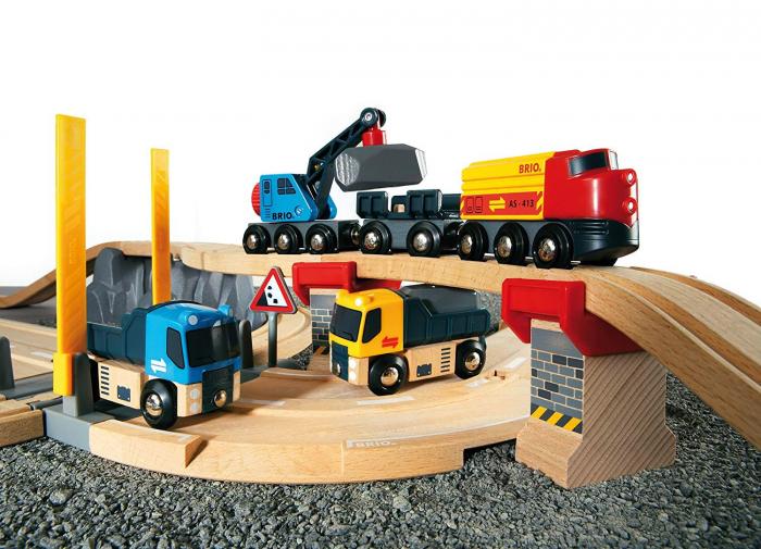 Un set conținând șosea și cale ferată pentru carieră, Brio 33210 [2]