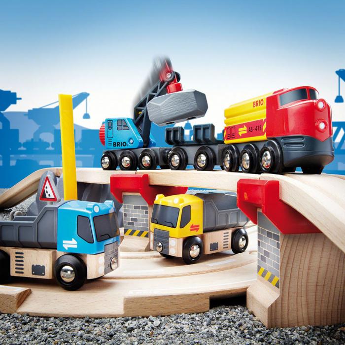 Un set conținând șosea și cale ferată pentru carieră, Brio 33210 [7]