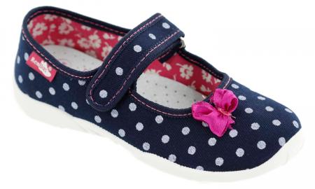 Papucei fete bleumarin cu bulinute albe si fundita roz (cu scai), din material textil1