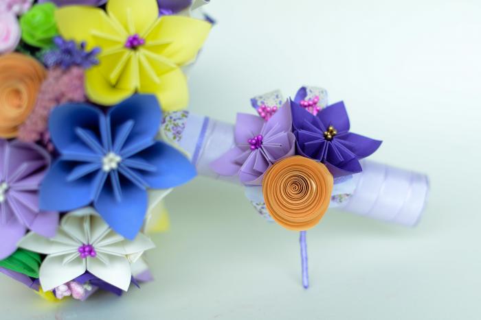 Cocardă nuntă - 3 flori hârtie - Diverse culori 1
