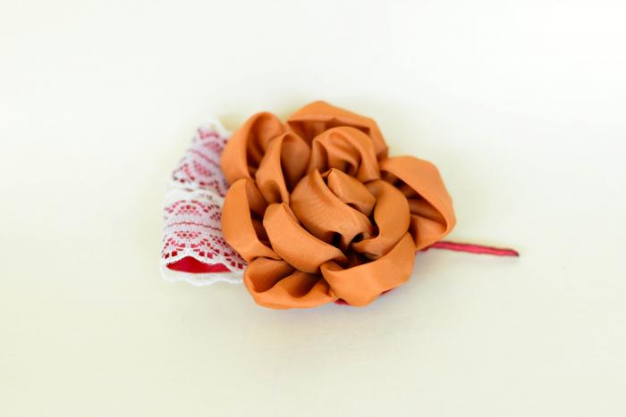 Cocardă nuntă floare textil - Diverse culori 1