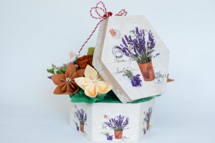 Cutie - Flori hârtie 2
