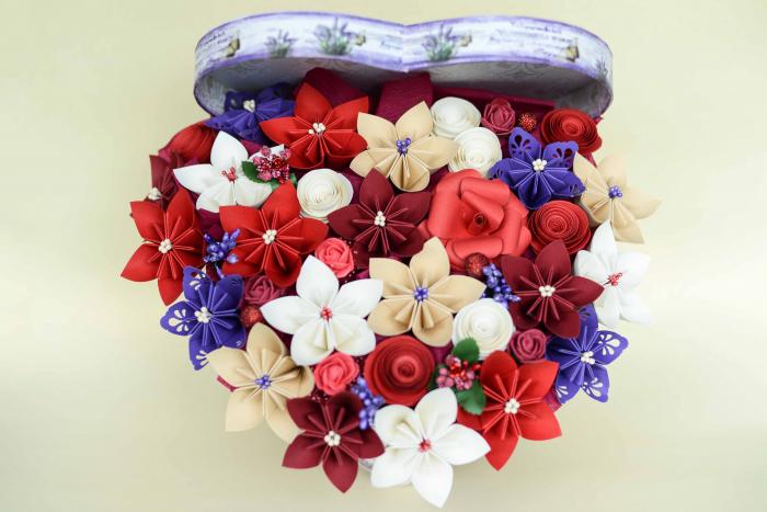 Cutie Inimă - Flori hârtie 0