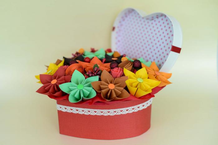 Cutie Inimă - Flori hârtie 2