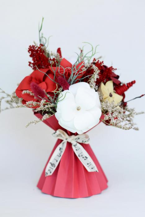 Decorațiune Vază - flori hârtie 0