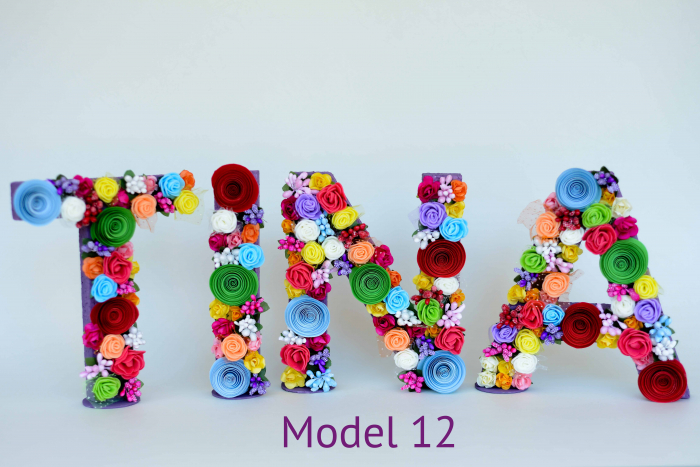 Litere decorate - Fetițe 11