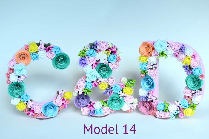 Litere decorate - Fetițe 13