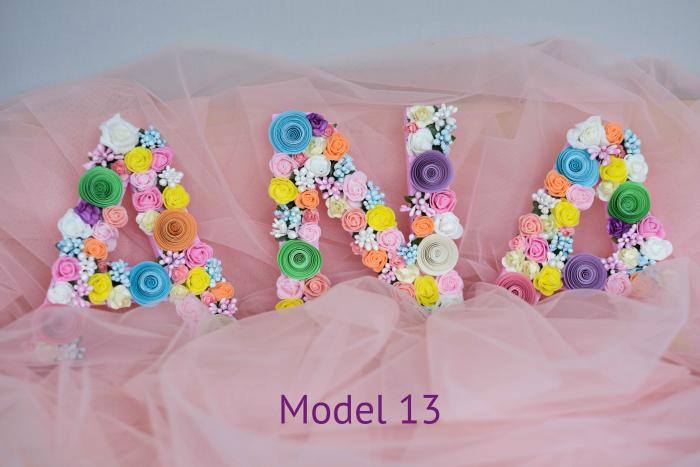 Litere decorate - Fetițe 12